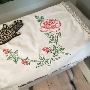 Wild rose hand-embroidered linen w/lace - rectange